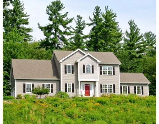 واحد منزل الأسرة للـ Sale في 8 Pheasant Hill Road Sterling, Massachusetts 01564 United States