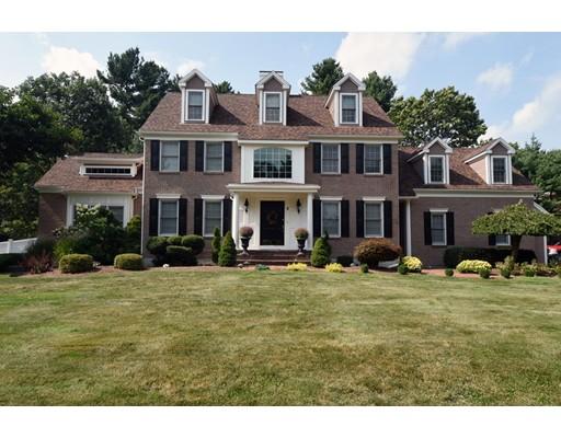 واحد منزل الأسرة للـ Sale في 8 Village Lane 8 Village Lane Hanover, Massachusetts 02339 United States