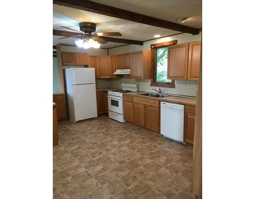 独户住宅 为 出租 在 26 Pleasant Street Salem, 新罕布什尔州 03079 美国