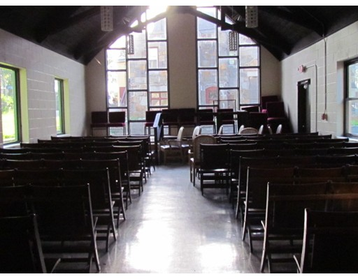 Commercial for Rent at 74 Pleasant Street 74 Pleasant Street Brockton, Massachusetts 02301 United States