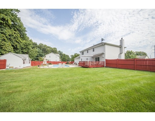 Additional photo for property listing at 138 Lancaster Drive 138 Lancaster Drive Agawam, Massachusetts 01001 États-Unis