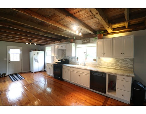 Single Family Home for Sale at 92 Old New Ipswich Road 92 Old New Ipswich Road Rindge, New Hampshire 03461 United States