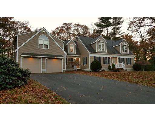 Maison unifamiliale pour l Vente à 220 Boxwood Lane 220 Boxwood Lane Bridgewater, Massachusetts 02324 États-Unis