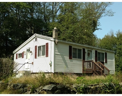 واحد منزل الأسرة للـ Sale في 75 Old Chestnut Hill Road Millville, Massachusetts 01529 United States