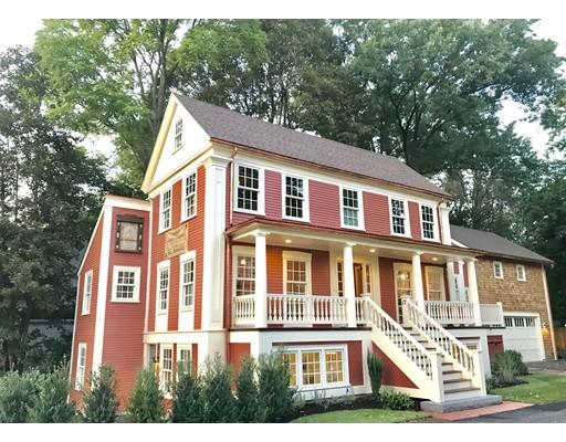 Maison avec plusieurs logements pour l Vente à 15 Bedford Street Lexington, Massachusetts 02420 États-Unis