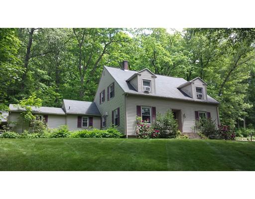 Maison unifamiliale pour l Vente à 22 Merrill Road 22 Merrill Road Wilbraham, Massachusetts 01095 États-Unis