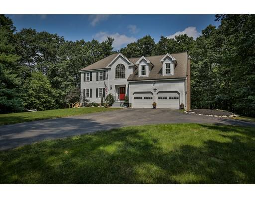 Nhà ở một gia đình vì Bán tại 23 Millbrook Lane Bolton, Massachusetts 01740 Hoa Kỳ