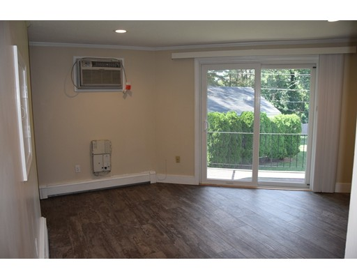1 Town House Ln S3, Acton, MA 01720