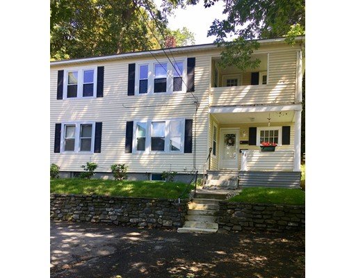 Casa Multifamiliar por un Venta en 16 Walnut Court Leominster, Massachusetts 01453 Estados Unidos