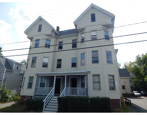Casa Multifamiliar por un Venta en 750 NORTH MONTELLO 750 NORTH MONTELLO Brockton, Massachusetts 02301 Estados Unidos