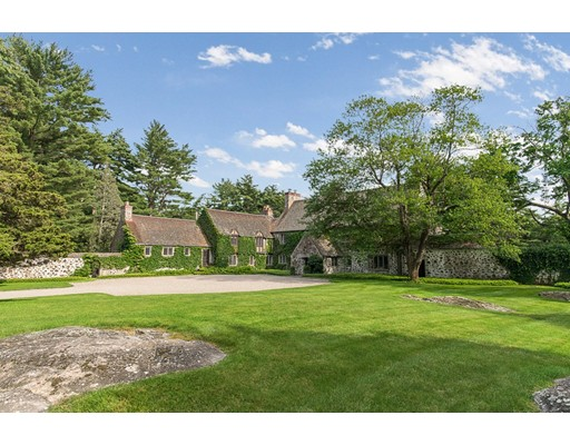 Single Family Home for Sale at 120 Grapevine Road Wenham, 01984 United States