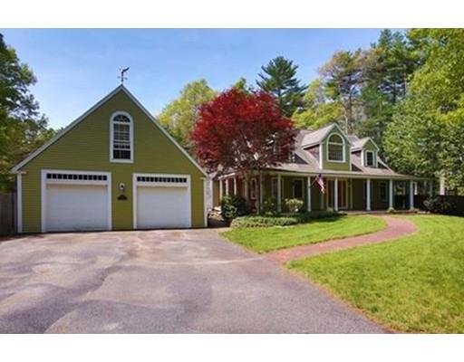 Maison unifamiliale pour l Vente à 28 Gate Street Carver, Massachusetts 02330 États-Unis