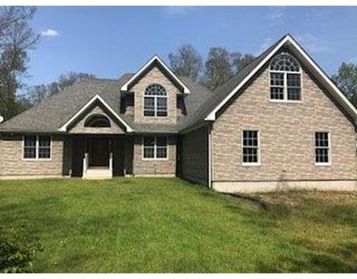 Частный односемейный дом для того Продажа на 285 Whipple Road Burrillville, Род-Айленд 02859 Соединенные Штаты