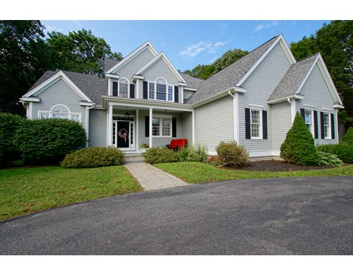 Single Family Home for Sale at 11 Hillside Drive 11 Hillside Drive Georgetown, Massachusetts 01833 United States