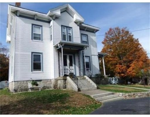 Maison avec plusieurs logements pour l Vente à 12 Holmberg Road Weymouth, Massachusetts 02189 États-Unis