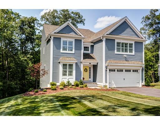 Casa Unifamiliar por un Venta en 653 Shining Rock Drive 653 Shining Rock Drive Northbridge, Massachusetts 01534 Estados Unidos