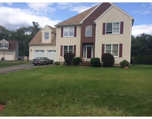 Maison unifamiliale pour l Vente à 24 Hana Drive Stoughton, Massachusetts 02072 États-Unis