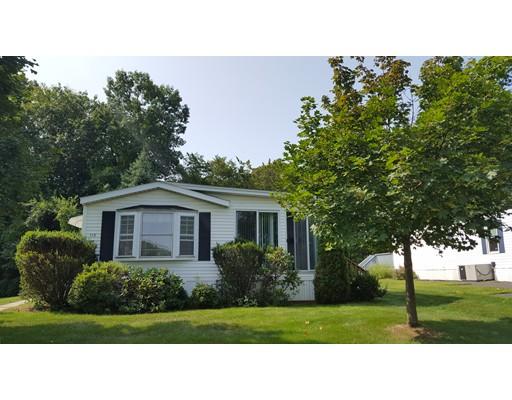 独户住宅 为 销售 在 113 Clayton Drive 113 Clayton Drive West Springfield, 马萨诸塞州 01089 美国