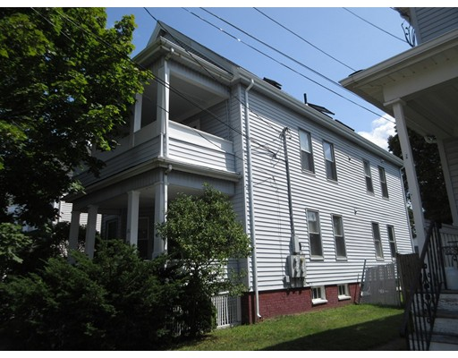 Casa Unifamiliar por un Alquiler en 20 King Street Peabody, Massachusetts 01960 Estados Unidos