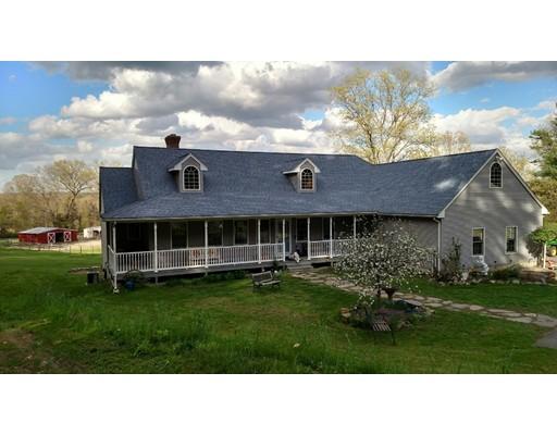 Maison unifamiliale pour l Vente à 59 Ferry Hill Road 59 Ferry Hill Road Granby, Massachusetts 01033 États-Unis