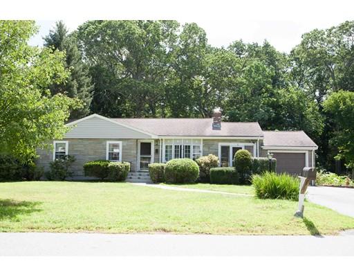 Частный односемейный дом для того Продажа на 4 Melody Lane Wayland, Массачусетс 01778 Соединенные Штаты