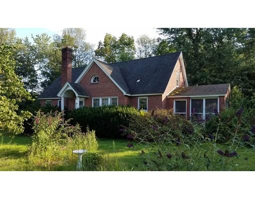 واحد منزل الأسرة للـ Sale في 275 Miller Street 275 Miller Street Ludlow, Massachusetts 01056 United States