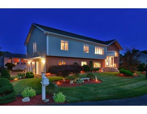 واحد منزل الأسرة للـ Sale في 201 Montgomery Circle Fall River, Massachusetts 02720 United States