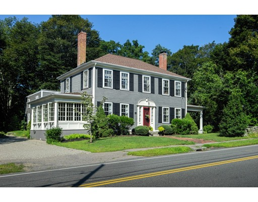 Casa Unifamiliar por un Venta en 15 North Main Street Freetown, Massachusetts 02702 Estados Unidos