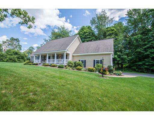 Maison unifamiliale pour l Vente à 14 Willow Vale Atkinson, New Hampshire 03811 États-Unis