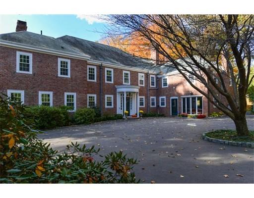 Частный односемейный дом для того Аренда на 1065 Brush Hill Road 1065 Brush Hill Road Milton, Массачусетс 02186 Соединенные Штаты
