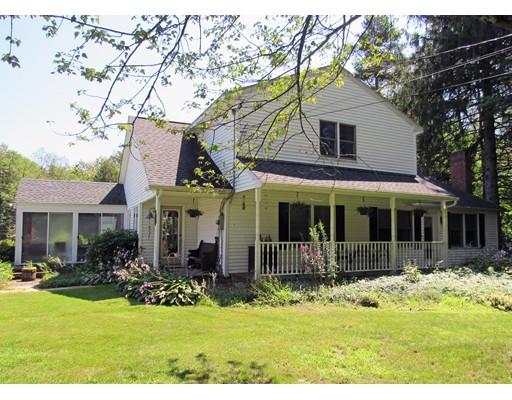 Maison unifamiliale pour l Vente à 128 Dudley Road 128 Dudley Road Sutton, Massachusetts 01590 États-Unis