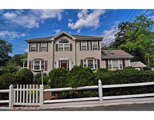 Single Family Home for Sale at 306 Lincoln Street Waltham, Massachusetts 02451 United States