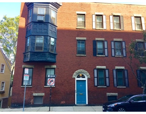 Additional photo for property listing at 3 Bartlett Street #2 3 Bartlett Street #2 Boston, Massachusetts 02129 États-Unis