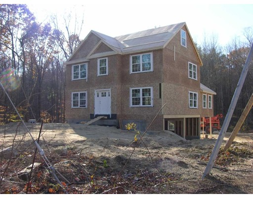Single Family Home for Sale at 143 Hampstead Road 143 Hampstead Road Sandown, New Hampshire 03873 United States