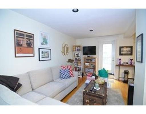 共管式独立产权公寓 为 出租 在 10 Isabella St #1B 10 Isabella St #1B 波士顿, 马萨诸塞州 02116 美国