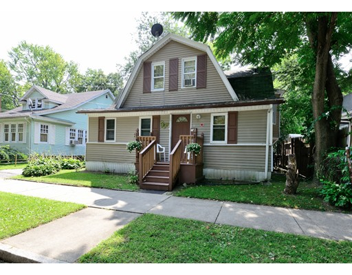 Casa Unifamiliar por un Venta en 53 Whiting Street Springfield, Massachusetts 01107 Estados Unidos