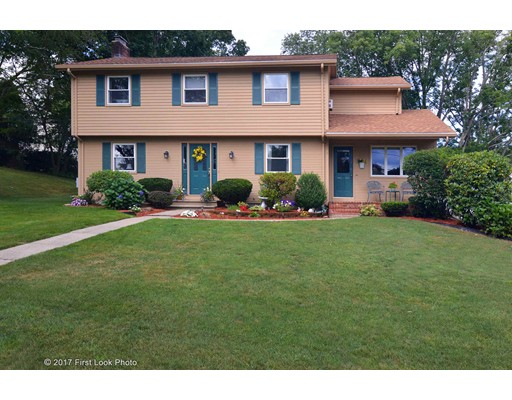 Single Family Home for Sale at 16 Pine Grove Avenue 16 Pine Grove Avenue Lincoln, Rhode Island 02865 United States