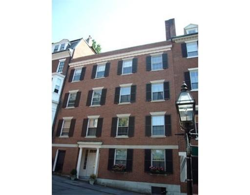 Additional photo for property listing at 10 Walnut St. #PH 10 Walnut St. #PH Boston, Massachusetts 02108 United States