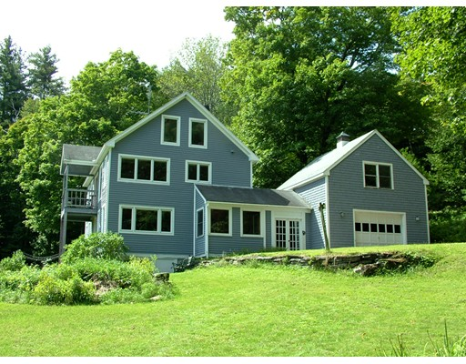 Casa Unifamiliar por un Venta en 65 Potter Road Rowe, Massachusetts 01367 Estados Unidos