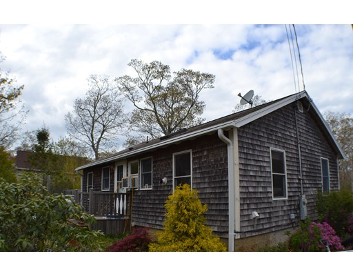 Single Family Home for Sale at 8 Morgan Avenue 8 Morgan Avenue Oak Bluffs, Massachusetts 02557 United States