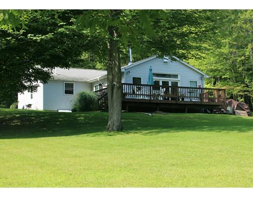 واحد منزل الأسرة للـ Sale في 171 Wendell Road 171 Wendell Road Montague, Massachusetts 01349 United States