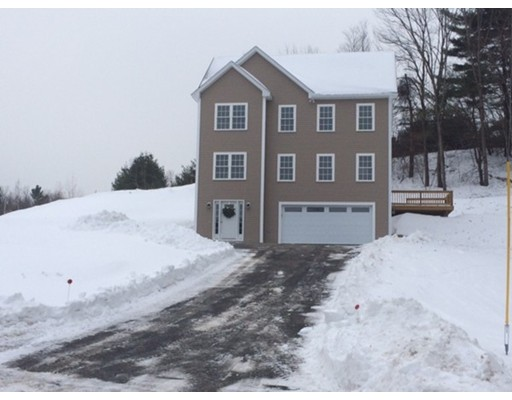 Single Family Home for Sale at 911 South Road 911 South Road Ashby, Massachusetts 01431 United States