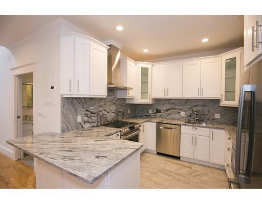 Casa Unifamiliar por un Alquiler en 106 13th Street Boston, Massachusetts 02129 Estados Unidos