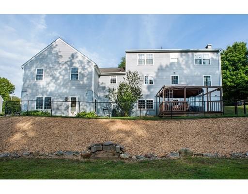 Single Family Home for Sale at 140 Lebanon Hill Road 140 Lebanon Hill Road Southbridge, Massachusetts 01550 United States