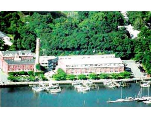 共管式独立产权公寓 为 销售 在 45 Main Street Wareham, 马萨诸塞州 02571 美国