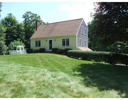 واحد منزل الأسرة للـ Sale في 15 Pond Street 15 Pond Street Halifax, Massachusetts 02338 United States