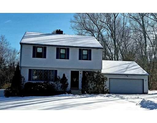 Single Family Home for Sale at 4 Lakeshore Drive 4 Lakeshore Drive Sturbridge, Massachusetts 01518 United States