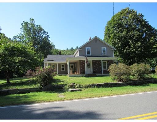 Maison unifamiliale pour l Vente à 62 Old Chester Road 62 Old Chester Road Huntington, Massachusetts 01050 États-Unis