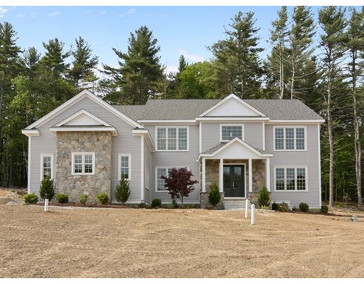 واحد منزل الأسرة للـ Sale في 4 Foxhollow Road 4 Foxhollow Road Hopkinton, Massachusetts 01748 United States