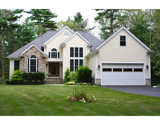 Single Family Home for Sale at 10 ANDY'S COURT 10 ANDY'S COURT Acushnet, Massachusetts 02743 United States